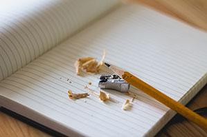 Bleistift Anspitzer in silber für dünne Stifte