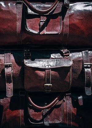 Reisetaschen gestapelt