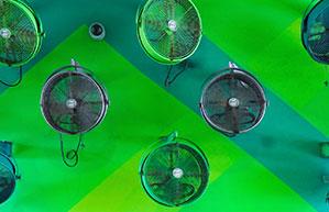 Wand-Ventialtoren in verschiedenen Farben