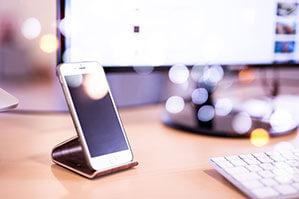 Handyhalterung für Schreibtisch