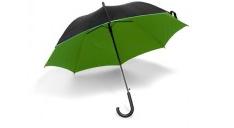 Stockschirm mit Krücken-Griff und schwarzem Gestänge. Der SChirm ist außen schwarz, das Innen-Futteral ist grün.